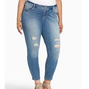 """🔥 Torrid """" Girlfriend """" skinny jeans 26 R NWOT"""